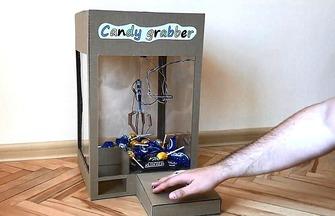 DIY紙板玩具小型抓糖機