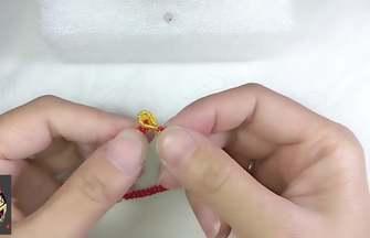 如何在5分鐘內快速的編出一條紅繩手鏈