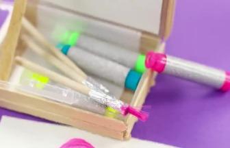 吃完的冰棒棍別扔,制作彩筆容納盒