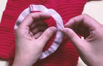 衣服領子太高不舒服?學會這種針法完美解決