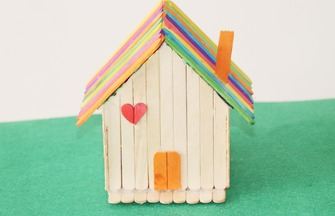 冰棒棍手工制作一個漂亮的小房子