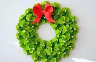 DIY紙藝制作漂亮的圣誕紙花圈