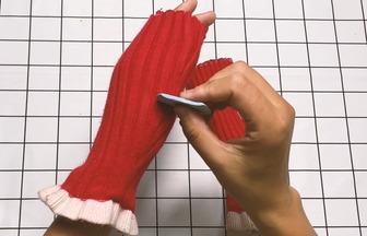 毛衣不想穿了別扔!把袖子剪下來改一下,舒服又實用