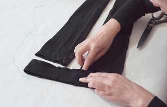 打底褲變形不能穿?褲腰剪掉縫在褲口上,成品老少出門必備