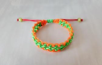 蕾絲花邊寬手鏈編織過程