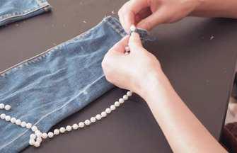 褲子過時不想穿?褲口縫串珍珠,款式新穎好看