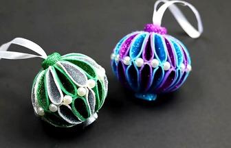 DIY圣誕泡沫球掛件的制作方法