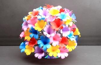 七彩紙藝花瓶花的制作方法
